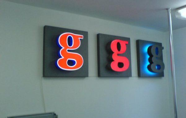 Светещи обемни букви Google