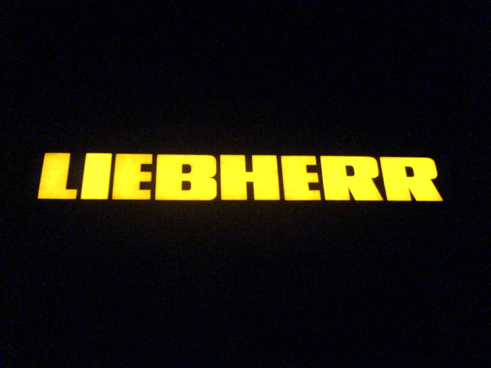 3D светещи обемни букви LIEBHERR