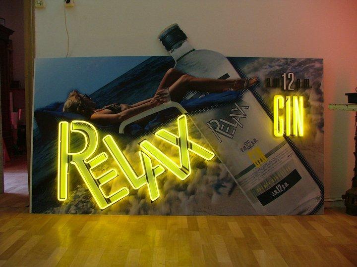Неонов надпис Relax