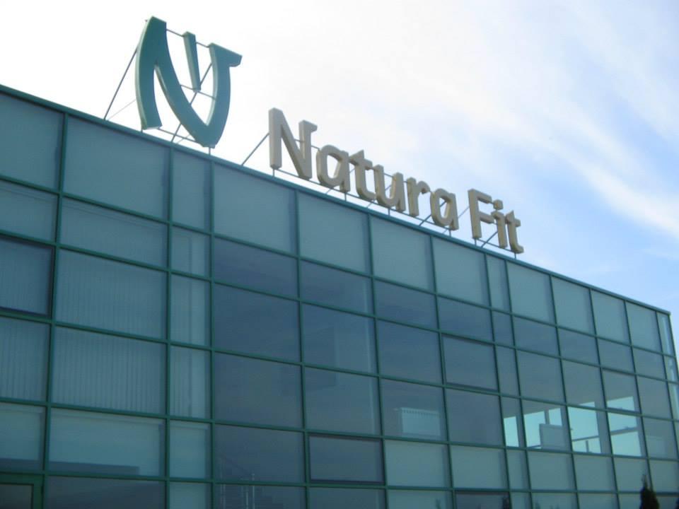 "Обемни букви ""Natura Fit"""