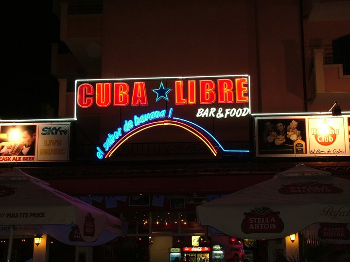 "Неонова реклама ""Cuba Libre"""