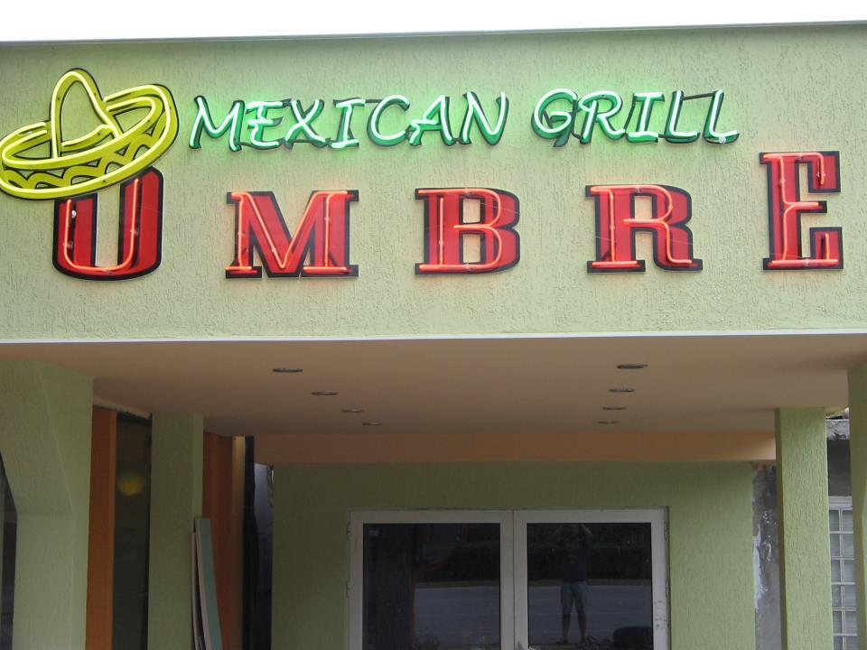 Неонова реклама Mexican Grill Ombre
