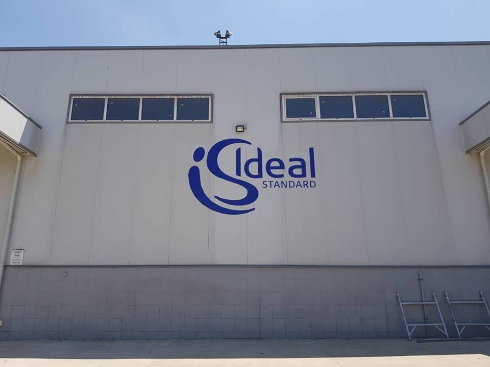 Външно брандиране на Ideal Standart