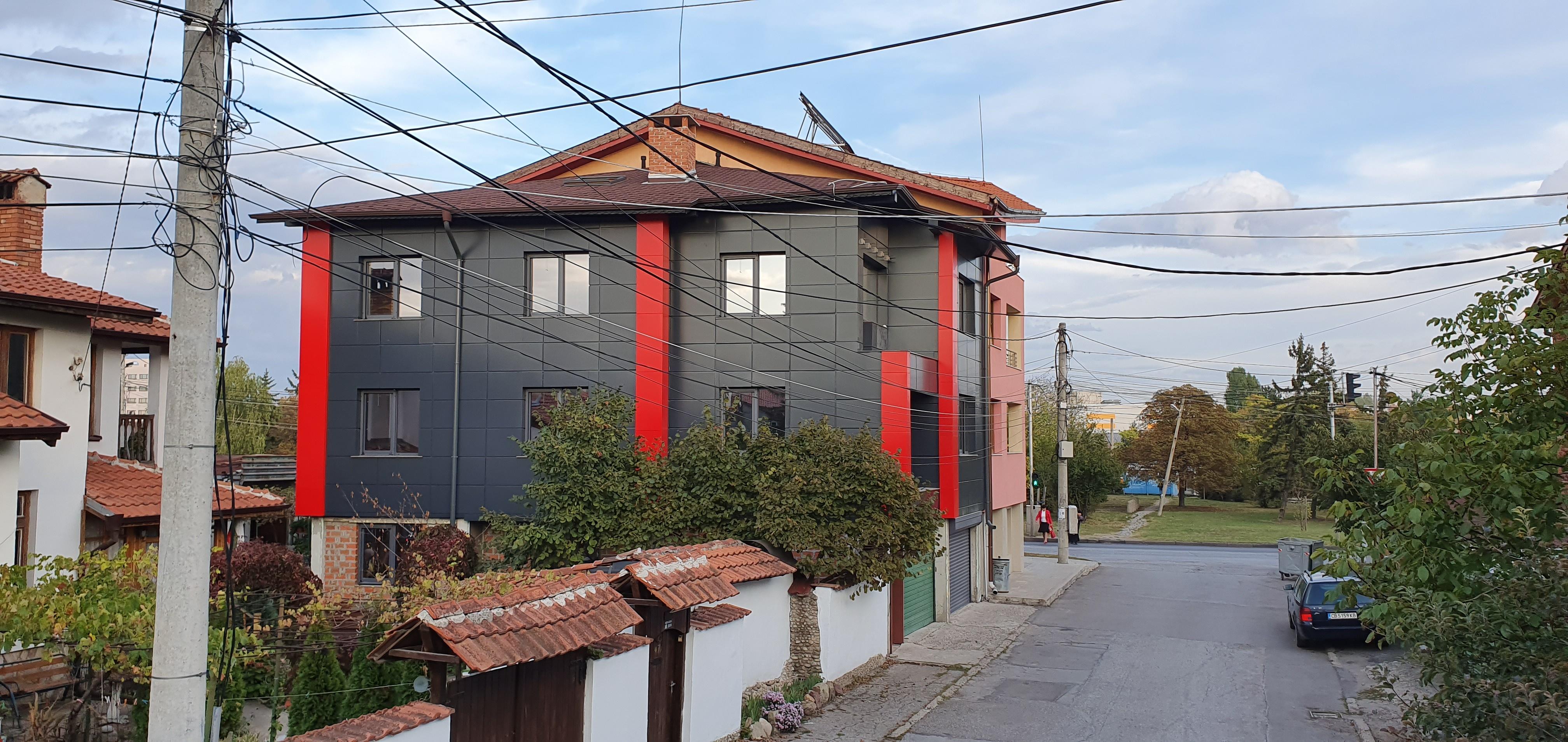 Облицовка на къща - окачена фасада с еталбонд 8