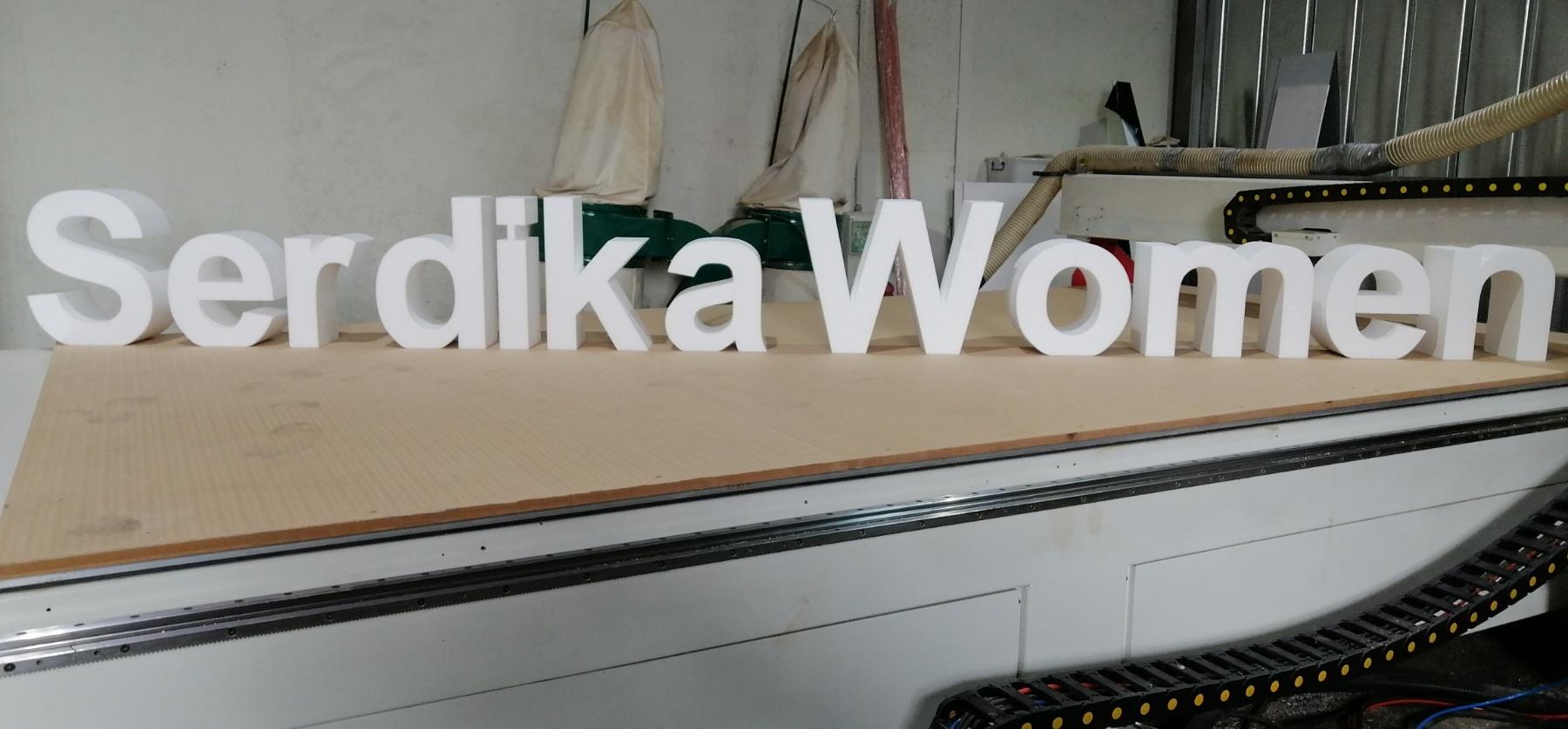 Свободно стоящи букви декор за сцена от стиропор 6