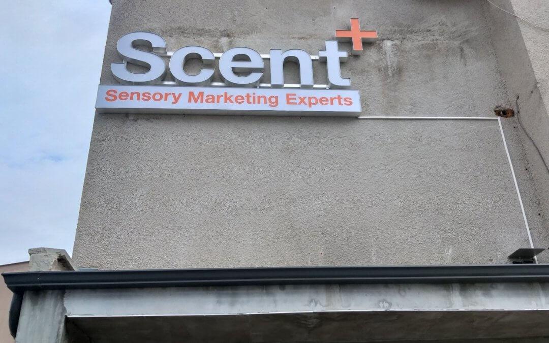 SCENT+